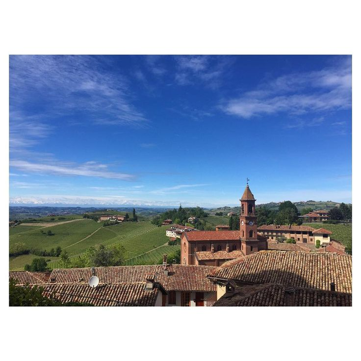 No filter needed �� #inlove #amazing #view #langhe . . . . #ig_piemonte #langa #sun #sky #nature #landscape #photography #awesome #likeforlike #likeforlike #beautiful #chill #love #happy #day http://tipsrazzi.com/ipost/1509655689243831230/?code=BTzX9nShqu-