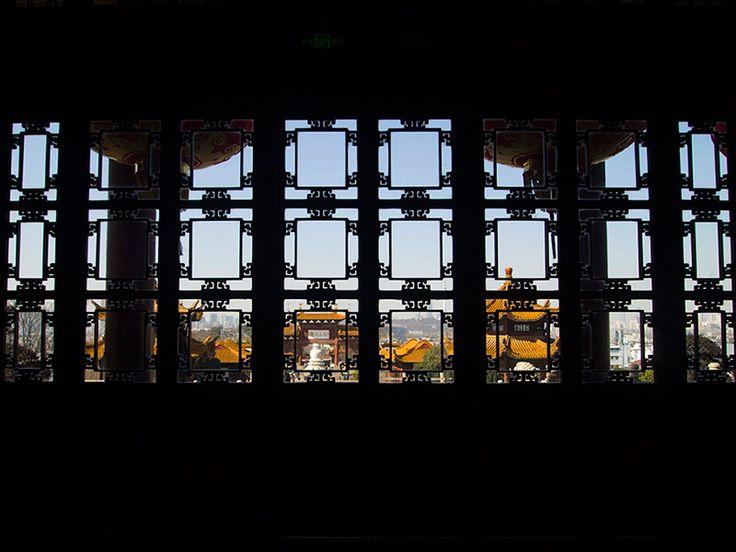 武漢市のシンボル、黄鶴楼。 何度も戦火などで焼失したが、再建された古い歴史を持つ。