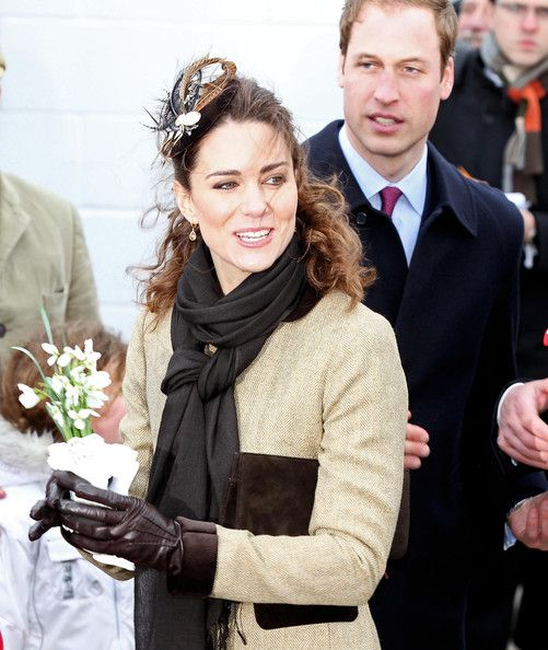 leather fashion style: Kate Middleton in Leather Gloves 2