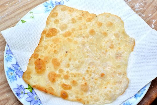 How to Make Poppadoms: 19 Steps (with Pictures) - wikiHow 2 cups chickpea, garbanzo bean, or Urad flour 1 tsp. (5 ml) ground pepper 1 tsp. (5 ml) ground cumin 1/2 tsp. (2.5 ml) salt 1 minced garlic clove 1/4 cup (2 oz.) water 1/2 tsp. (5 ml) cayenne pepper 2 tsp. vegetable oil or ghee