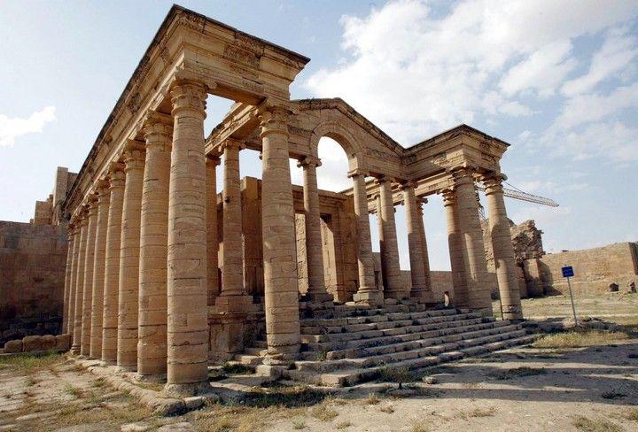 Tempio di Hatra Fu costruito tra il 247 e il 226 a.C nella città di Hatra, capitale del regno di Partia. L'ordine è corinzio ma si notano molti tratti stilistici tipici dell'architettura partica(es. frontone con arco), è in marmo.