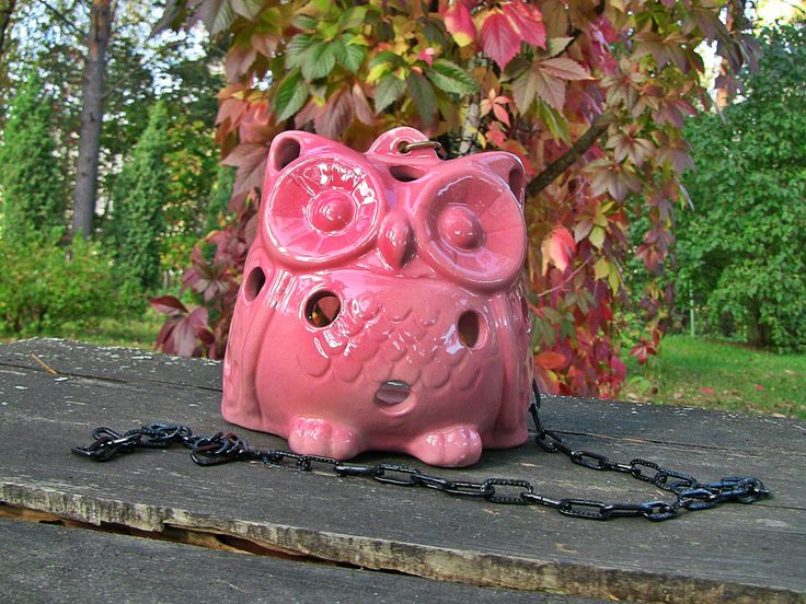 Ceramic pink owl is suitable for inside and outside uses. Sweet color remain the same despite the rain and the sun.