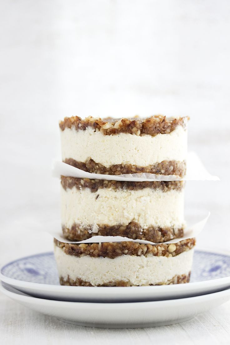 no bake vegan cheesecake cookie sandwiches