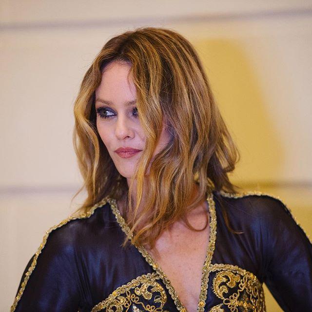 Vanessa Paradis #ParisCosmopolite #ChanelMetiersdArt