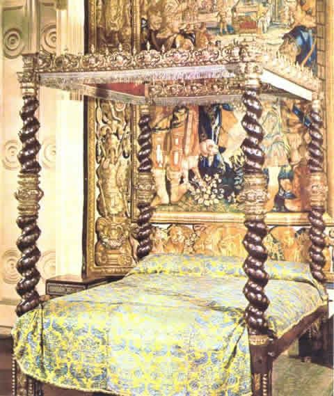 Circa 16th century Spanish, with canopy bed Museo de Artes, Decorativas, Madrid Spain This four poster bed design is available from Crown Guild Craftsmen handmade and hand carved at an affordable price.
