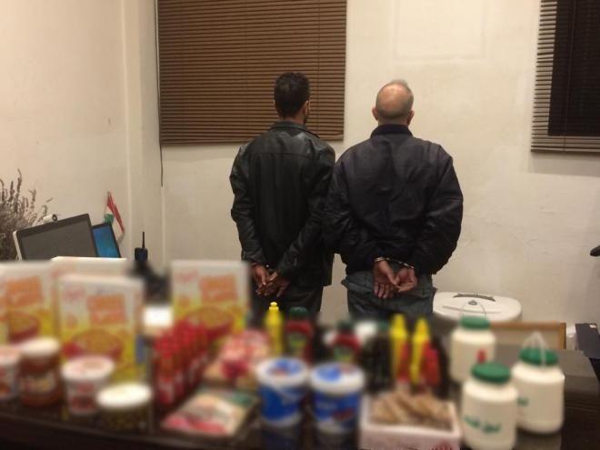بالصور مستودع في عاليه يبيع مواد غذائية فاسدة بالجملة للسوق اللبنانية