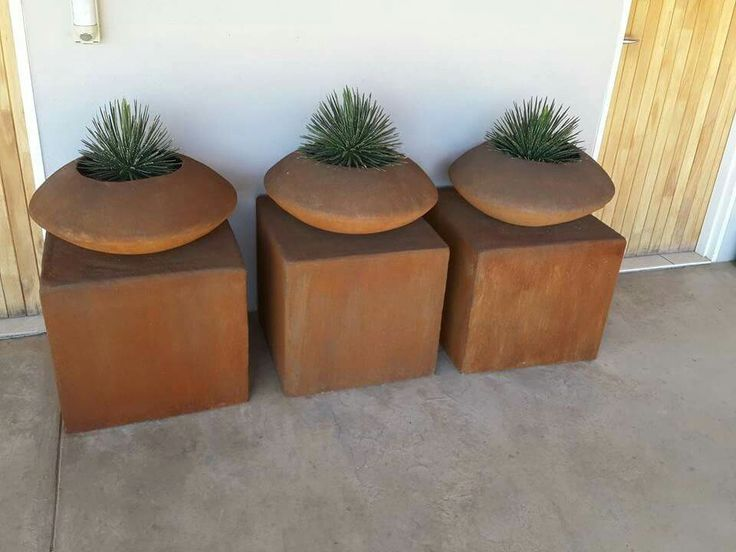 pedestal planter