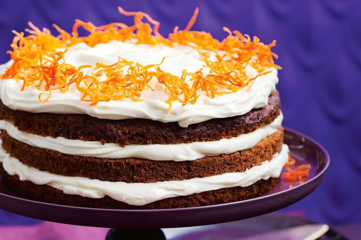 Carrot cake with cream cheese frosting - This extra special carrot cake tastes as good as it looks. It might even give your grandma's recipe a run for its money!