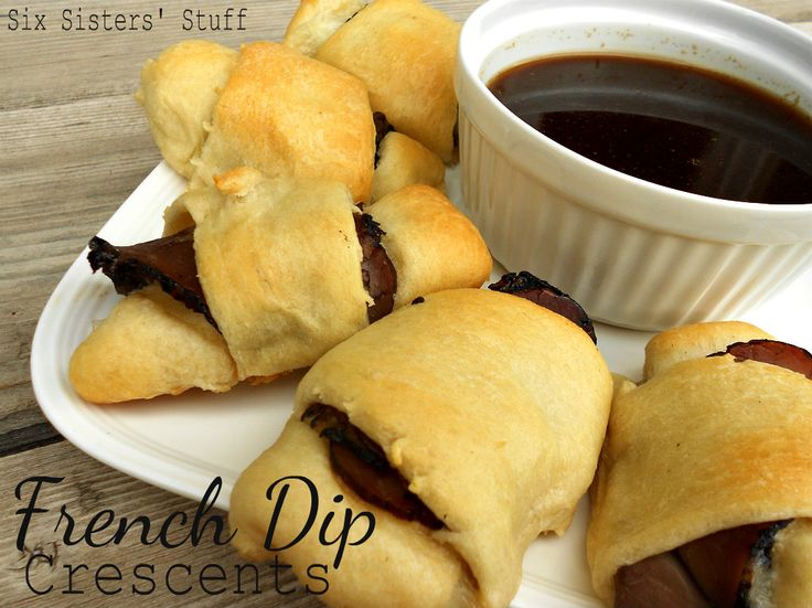 French Dip Crescents, quick and delicious dinner! #sixsistersstuff #Frenchdipcrescents