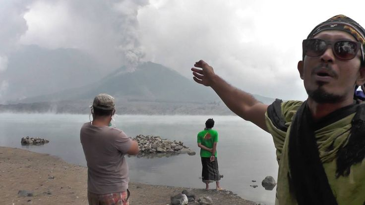 09/27/2016 - Volcanic activity has once again stopped travellers in their tracks with Jetstar, Virgin and Tigerair cancelling a string of flights between Australia and Bali during the busy school holiday period.  Mount Barujari, a sub-volcano of Mount Rinjani in Lombok, West Nusa Tenggara (NTB), erupted at around 2:45 p.m. local time on Tuesday, spewing volcanic ash around 2,000 meters into the sky.