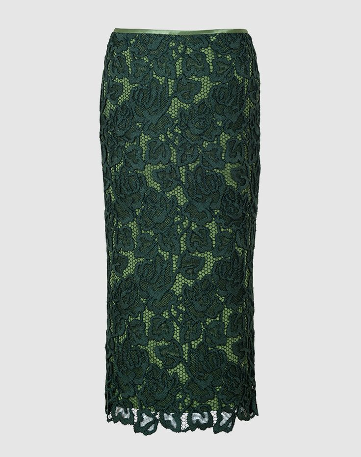 Giu - A lovely, lightweight pencil skirt made using structured Guipure lace with fascinating details including a beautiful patterned hem and a golden zip fastener. The perfect companion for any event – from a day at the office to an evening out, this skirt is sure to match your look. Swiss made