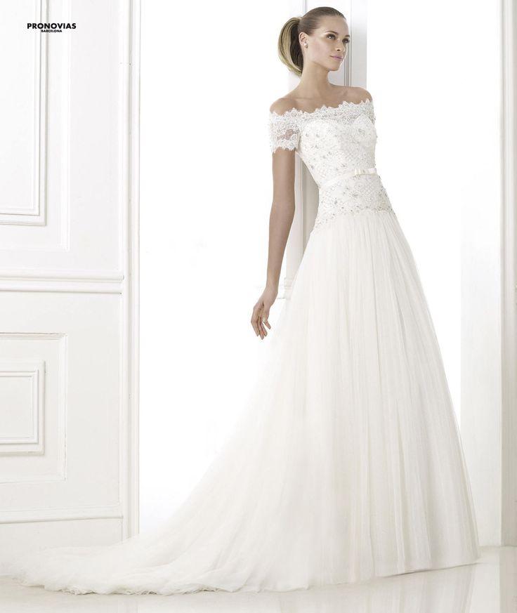 FASHION PRONOVIAS-21 abiti ed accessori, per #matrimoni di grande classe: #eleganza e qualità #sartoriale  www.mariages.it
