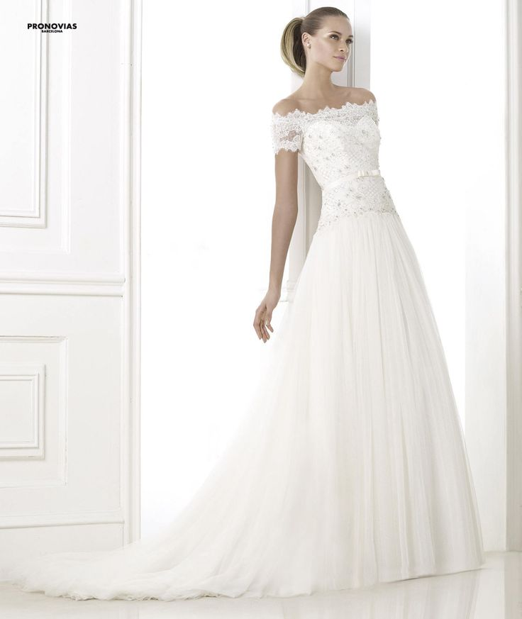 FASHION PRONOVIAS-21 abiti ed accessori, per #matrimoni di grande classe: #eleganza e qualità #sartoriale  www.mariages.it