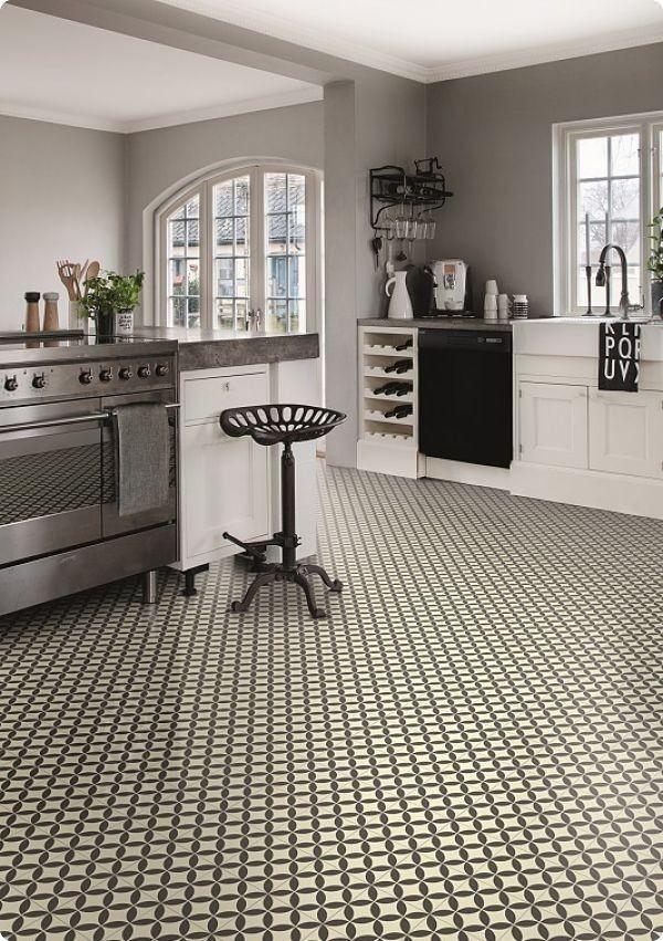 Buckingham Victorian Ceramic Tile Effect Cushioned Flooring
