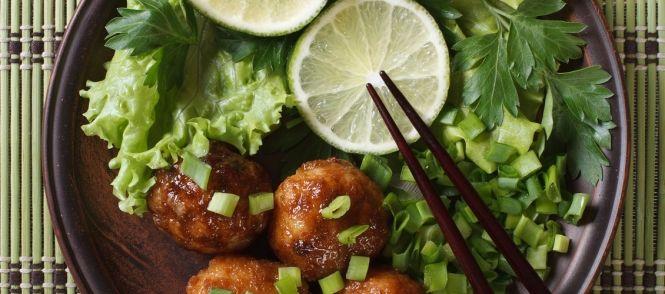 Chinese Gehaktballetjes In Een Pittige Zoete Saus recept | Smulweb.nl