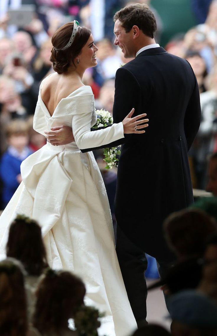 Life At Home Eugenie Wedding Princess Eugenie Royal Wedding [ 1136 x 735 Pixel ]