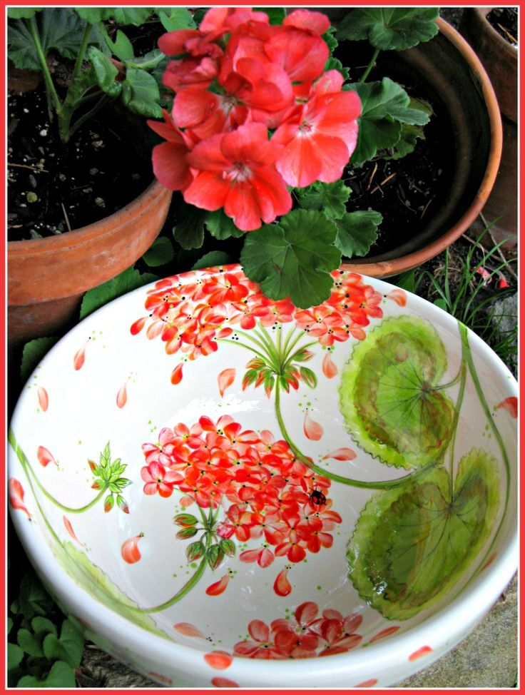 Geraniums! Could be made with fingerprints.