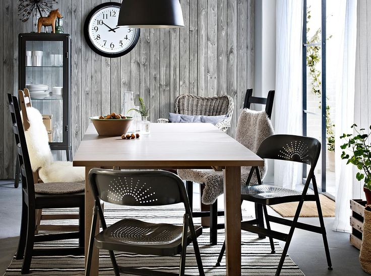 STORNÄS grey-brown extendable table seats 4-6 with chairs in solid wood and foldable chairs