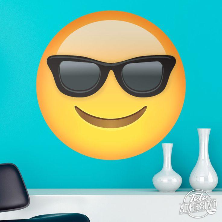 Vinilos Decorativos: Cara sonriente con gafas de sol #vinilo #emoji #emoticono #decoracion #pared #caras #TeleAdhesivo