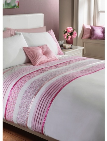 top notch girl bedroom decoration ideas using purple rose | 64 best Bed garnituur images on Pinterest | Bedroom ideas ...