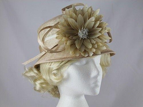 30% OFF - Maddox Flower Hat in Malt