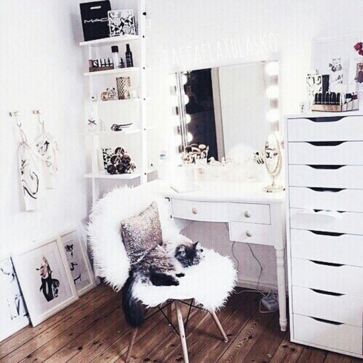 Best 35 Best White Snow Black Souls Images On Pinterest Tall Clothing Clothes And Clothing 400 x 300