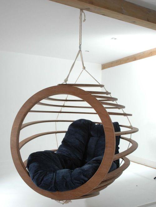 design sw.ing chair invece Hive, del designer inglese Nick Rawcliffe
