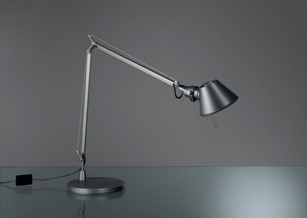 TOLOMEO MIDI LED Designed by  Michele de Lucchi and Giancarlo Fassina http://www.artemide.us/Products/Artemide_inc/Tolomeo_midi_LED/Tolomeo_Midi.pdf