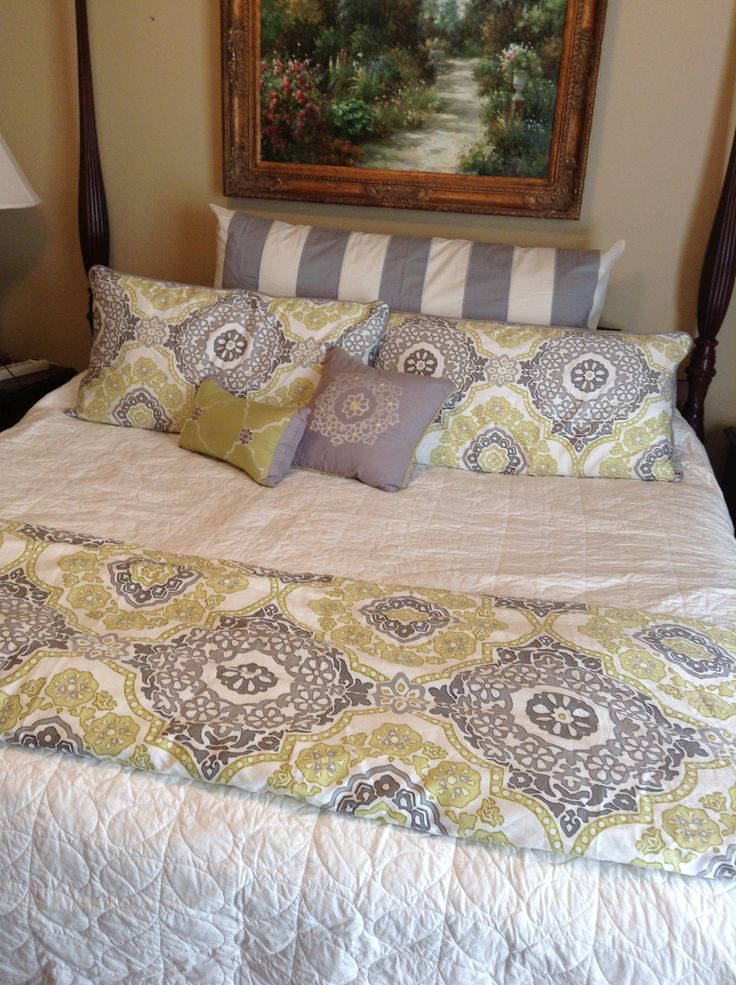 Spring Layered Bedding Just Need Tons Of Fun Pillows