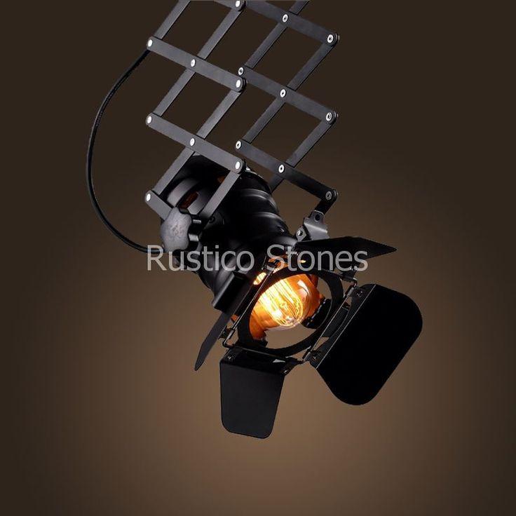 Amerikaanse industriële vintage Reflector lamp uitschuifbaar, in schuifdak stijl. Met 4 verstelbare bladen is het licht perfect te beiinvloeden. Deze lamp is ideaal voor uw huis of kantoor, commercieële ruimtes, decoratief, een aanvulling in de winkel, restaurant, café- bar, karaoke, of voor degenen die graag iets uniek wil schenken. Exclusief lampen.