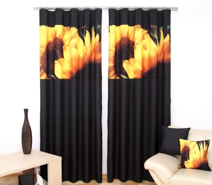 Čierny záves na okno so slnečnicami