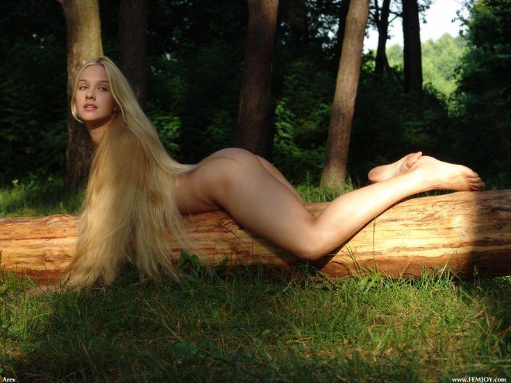 naked wake forest blonde women