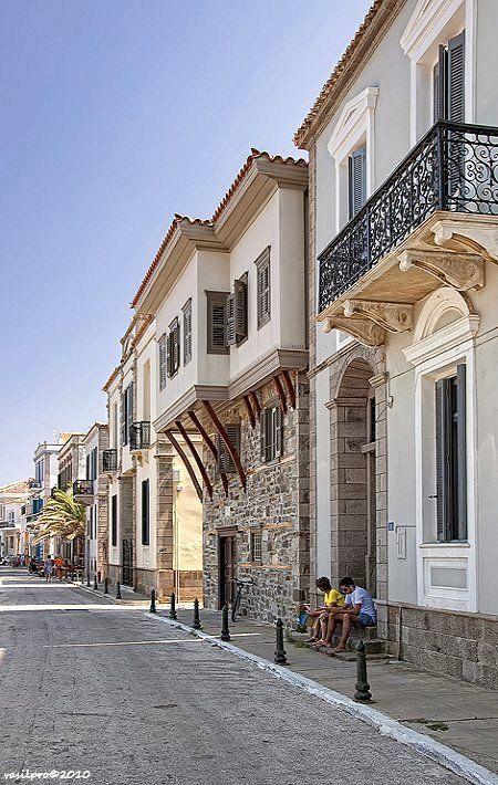 Romeikos Gialos in Myrina, Lemnos Island, Greece (by vasilpro)
