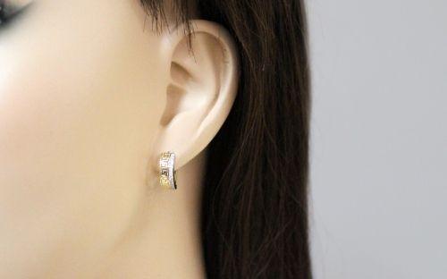 Zlaté náušnice k uchu s antickým vzorom a zirkónmi