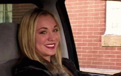 Christine Cuoco (30 de noviembre de 1985; Camarillo, California, Estados Unidos), más conocida como Kaley Cuoco, es una actriz estadounidense conocid...