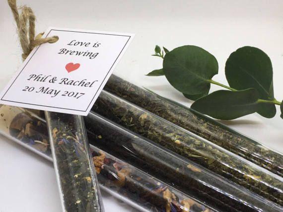 Liefde is het brouwen - thee gunsten - gepersonaliseerd bruiloft gunsten - reageerbuis gunsten gevuld met Loose Leaf Tea-de perfecte mix,