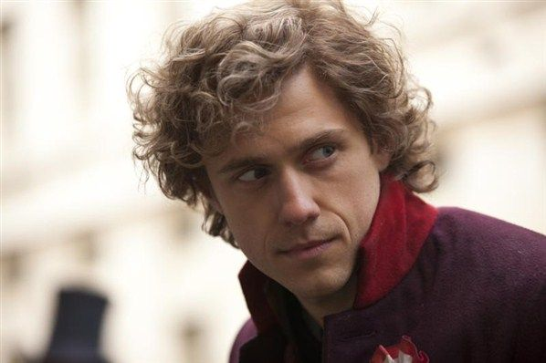 I admit after watching the movie, my mental conception of Enjorlas is a weird combo of Aaron Tveit with the whole blond thing and Ramin Karmloo and his expressiveness.