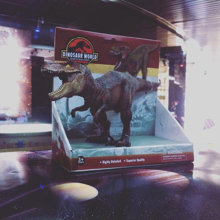Tyrannosaurus Rex en Tienda Ciencia Entretenida interior Planetario Usach