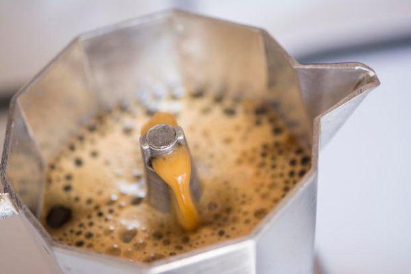 Pulizia e igienizzazione della caffettiera