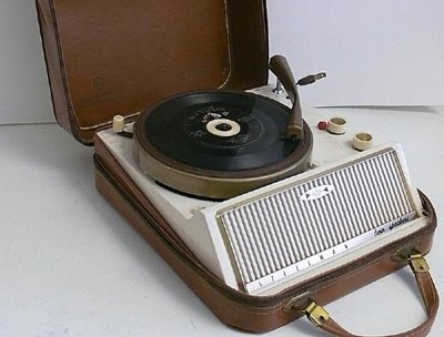 Steelman Portable Record Player, 1960s  https://www.pinterest.com/0bvuc9ca1gm03at/
