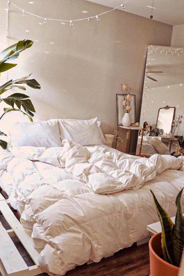 49 Beautiful Aesthetic Bedroom Design Ideas For Your Home Part 34 In 2020 Aesthetic Bedroom Bedroom Design Bedroom Vintage