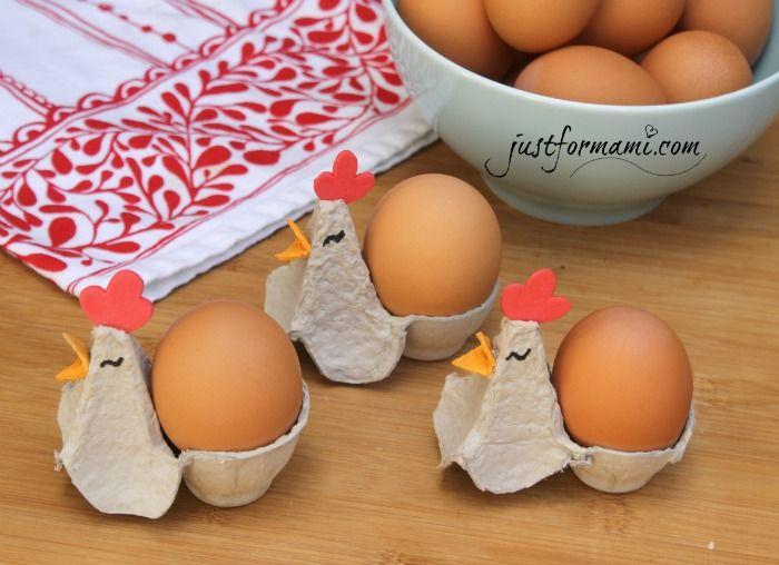 Gallinitas de cartón de huevo reciclado