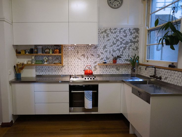 Add a little interest in your kitchen with a unique splashback design!