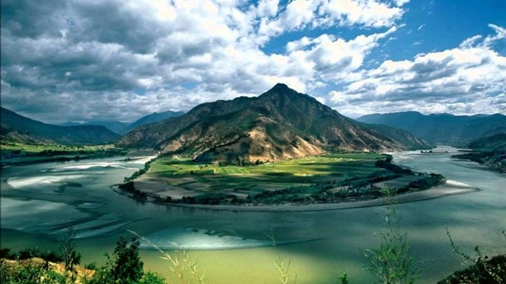 Jang-c'-ťiang, Čína    Jang-c'-ťiang je najdlhšia rieka nielen v Číne, ale aj v celej Ázii. Je tiež tretia najdlhšia rieka na svete.