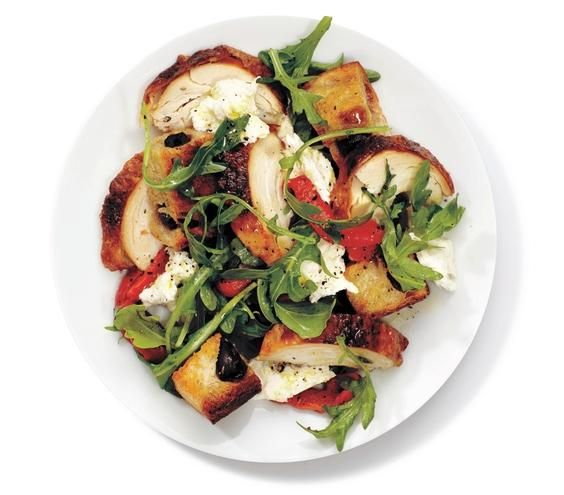 Give a traditional Italian salad a new twist with chicken, arugula, roasted red peppers, and mozzarella.