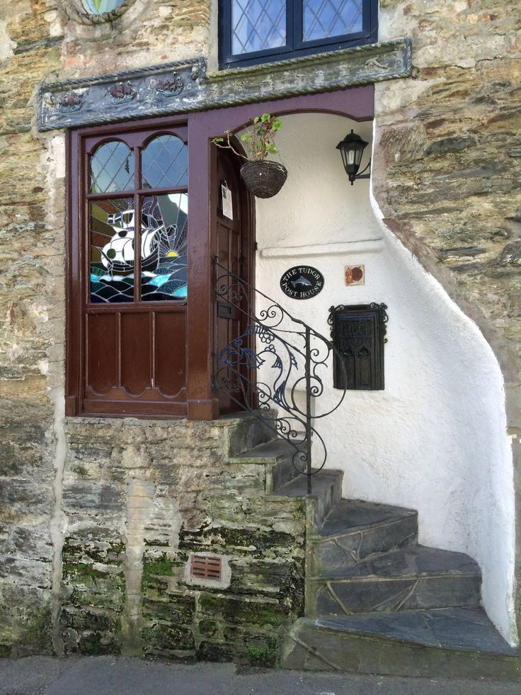 Doorway in Fowey, Cornwall. Beautiful, storybook charm!