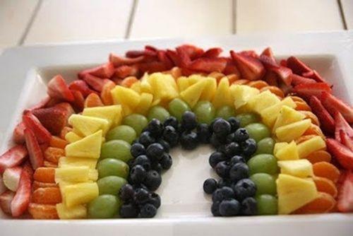 Arcoíris de frutas variadas