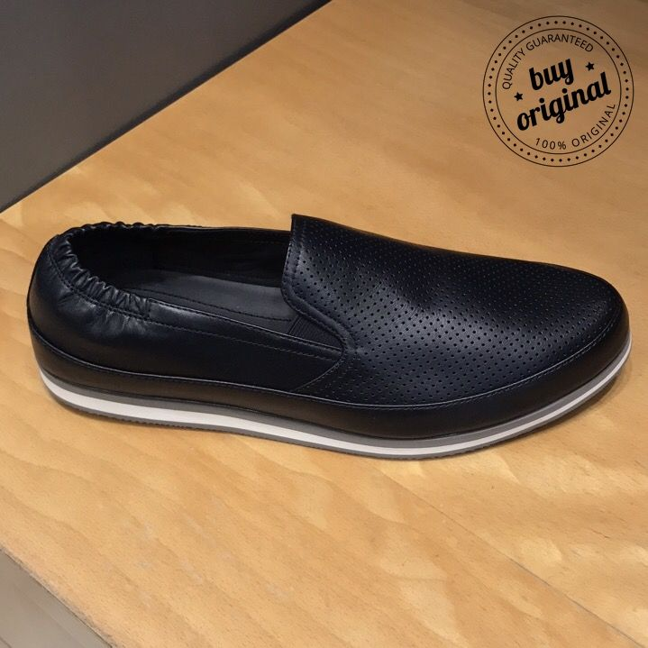 Prada 255€  Вся мужская обувь на нашей странице тут ➡ #МужскаяОбувьBuyOriginal  Вся продукция этой марки на нашей странице тут ➡ #PradaBuyOriginal  ☎️+393450327567 WhatsApp/Viber ••••••••••••••••••••••••••••••••••••••••••••••••• #персональныйшоппер #баер #байер #personalshopper #shopper #buyer #купитьобувь #мужскаяобувь #обувьвесна #летняяобувь #обувь2017 #обувьлето #обувьлюкс #обувь #кроссовки #туфли #дропшиппинг #dropshipping #обувькиев #обувьмосква #босоножки #персональныепокупки…