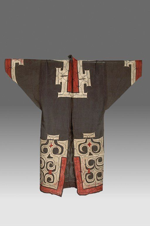 AINU Locale: HOKKAIDO, SHIKIU Country: JAPAN Material: CLOTH (COTTON), THREAD Dimensions: L:130 W:123 [in CM] Technique: EMBROIDERY, APPLIQUÉ Acquisition Year: 1901 [EXPEDITION]
