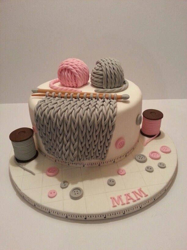 Knitting cake - tape measure around the board